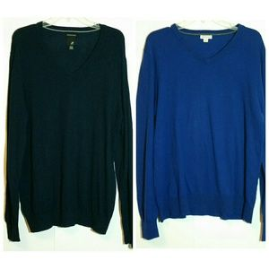 Lot of two men's v-neck sweaters size large